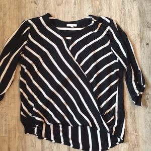 Maurices cross front top